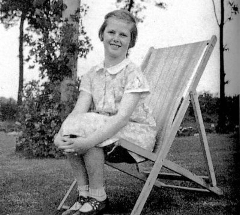 Маргарет Хилда Робертс (Тэтчер)... Конец 1930-х годов...