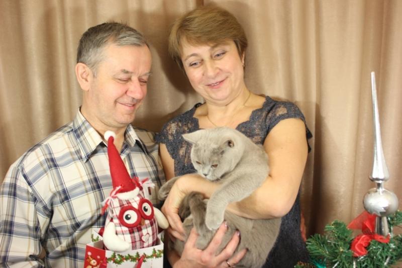 С мужем и кошечкой у елки